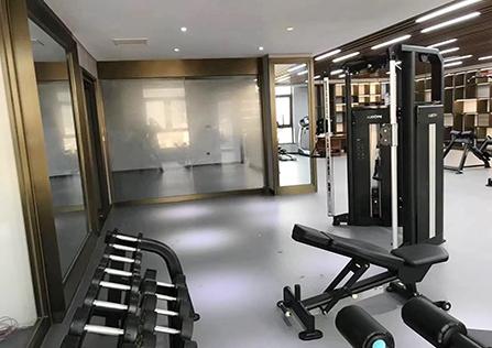 商用俱乐部健身房
