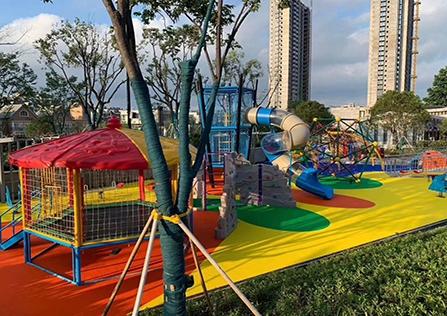 公共区游乐场